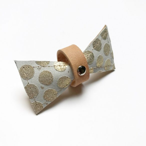 Bőr arany pöttyös masni - leather bow with gold polka dots