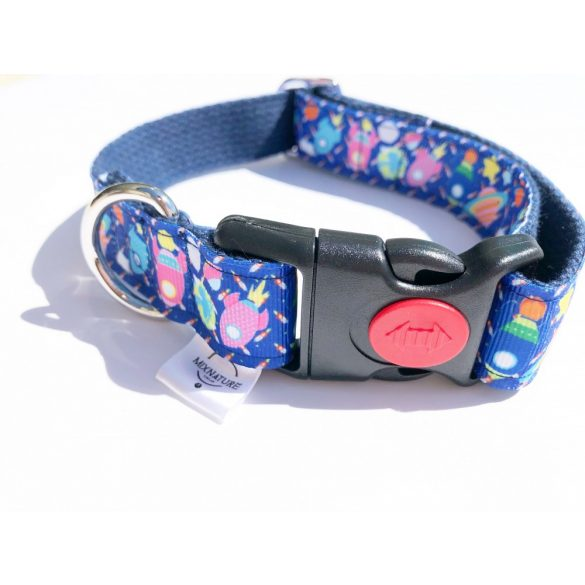 Blue fabric space collar