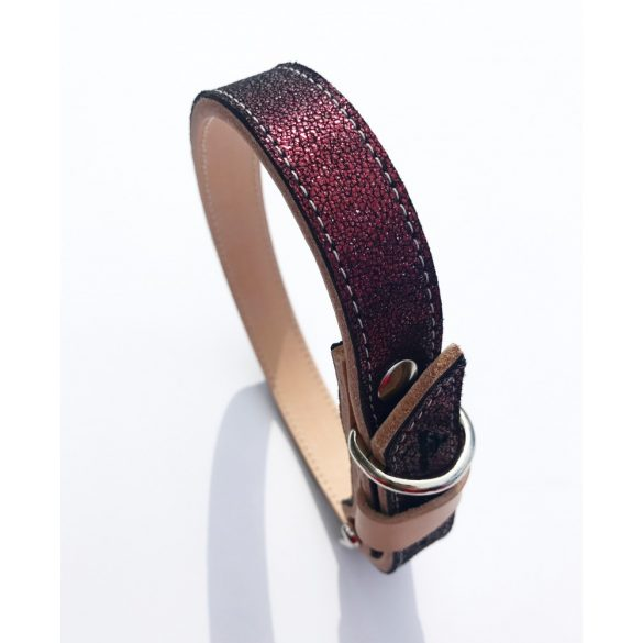 American collection, narrow maroon leather collar
